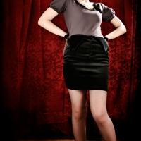 Rita-GreyShirt-Front-02-v1_MG_5896